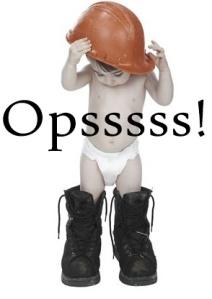 bebe-com-capacete-e-botao-de-adulto-000000000000000D